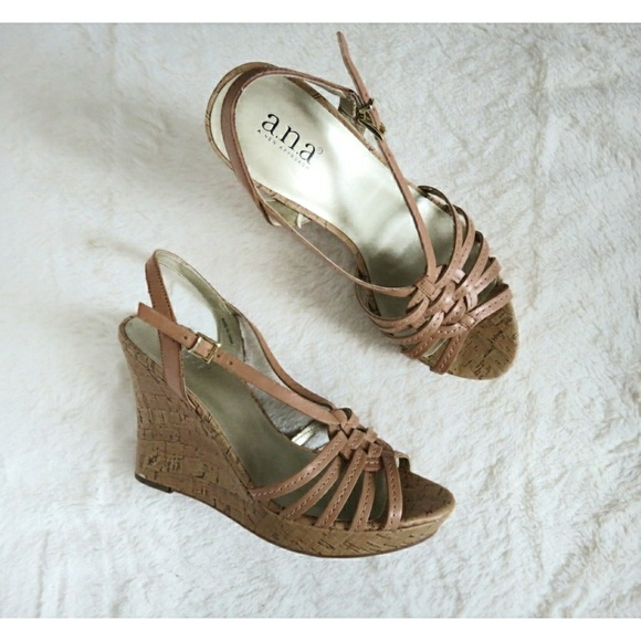 935dbd8b6de99 NWT Strappy Woven Leather Cork Wedge Sandals 7.5